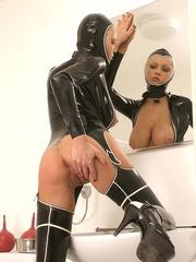 Hot Porn Star Hanna Hilton in a tight - Unique Bondage - Pic 8