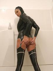 Hot Porn Star Hanna Hilton in a tight - Unique Bondage - Pic 16