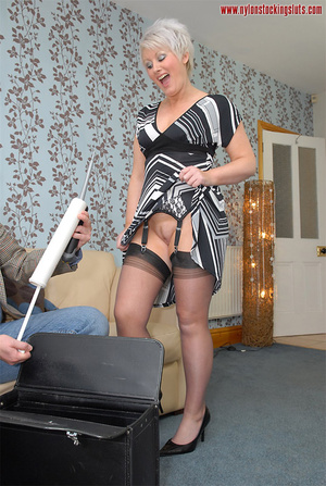 Mature blonde chock in awesome black sto - XXX Dessert - Picture 4