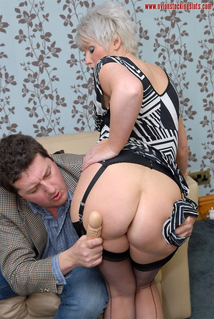 Mature blonde chock in awesome black sto - XXX Dessert - Picture 6