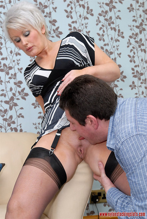 Mature blonde chock in awesome black sto - XXX Dessert - Picture 7
