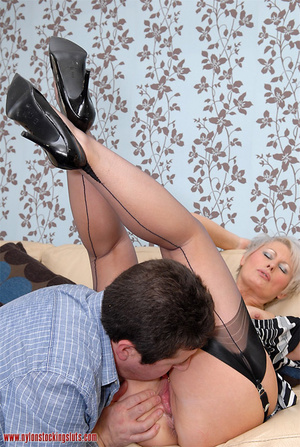 Mature blonde chock in awesome black sto - XXX Dessert - Picture 9