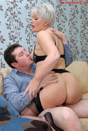 Mature blonde chock in awesome black sto - XXX Dessert - Picture 14