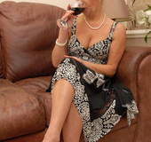 Lusty mature chick in tight pantyhose smoking and giving an awesome head
