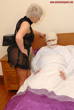 Blonde mature mil in awesome nylons gets - XXX Dessert - Picture 1