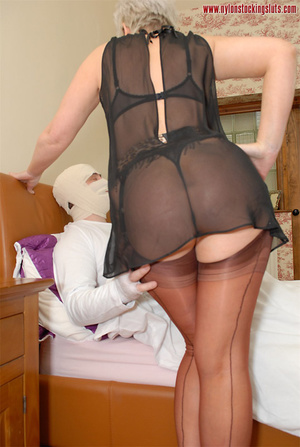 Blonde mature mil in awesome nylons gets - XXX Dessert - Picture 5