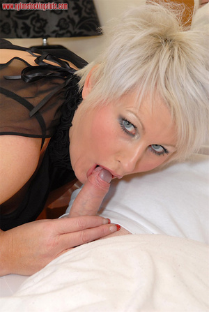 Blonde mature mil in awesome nylons gets - XXX Dessert - Picture 7