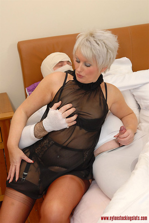 Blonde mature mil in awesome nylons gets - XXX Dessert - Picture 8