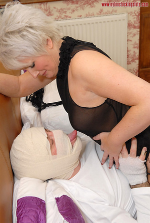 Blonde mature mil in awesome nylons gets - XXX Dessert - Picture 14