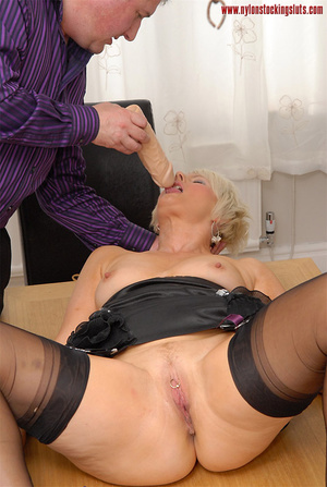 Blonde amateur milf in tight stockings b - XXX Dessert - Picture 5