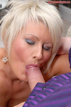 Blonde amateur milf in tight stockings b - XXX Dessert - Picture 12