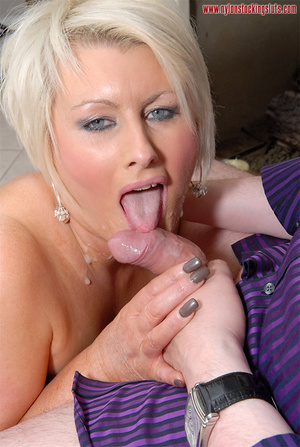 Blonde amateur milf in tight stockings b - XXX Dessert - Picture 14
