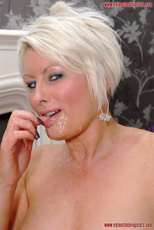 Blonde amateur milf in tight stockings b - XXX Dessert - Picture 15