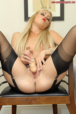 Mature blonde milf in black nylons and o - XXX Dessert - Picture 2