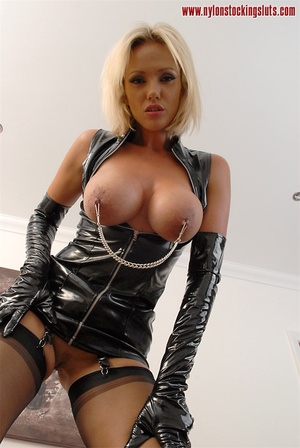 Busty blonde girl in latex outfit and ti - XXX Dessert - Picture 9