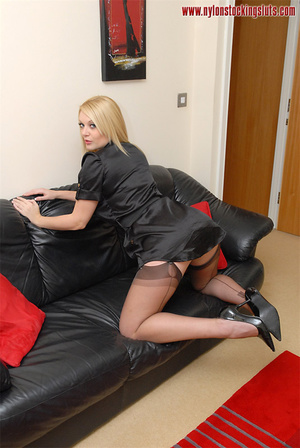 Blonde mature babe in exclusive stocking - Picture 7