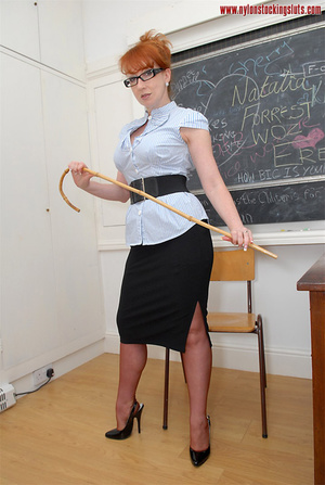 Mature redhead teacher in tight pantyhos - XXX Dessert - Picture 1