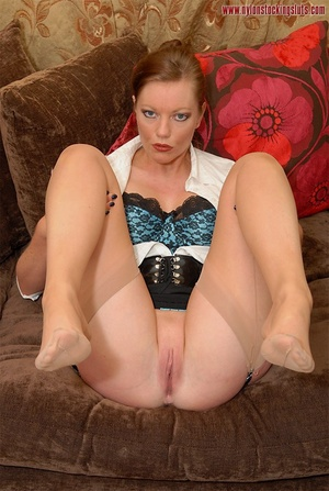 Strict mature cutie spreading her legs i - XXX Dessert - Picture 11