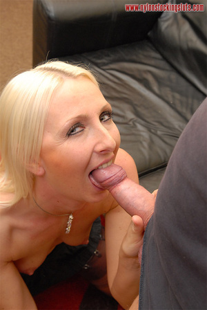 Nasty blonde milf in amazing pantyhose g - XXX Dessert - Picture 5