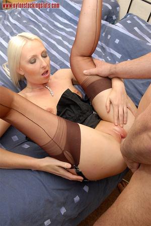 Nasty blonde milf in amazing pantyhose g - XXX Dessert - Picture 7