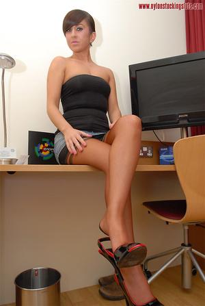 Adorable amateur bimbo in miniskirt and  - XXX Dessert - Picture 6