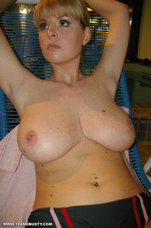 Arrogant college sweetie displaying her  - XXX Dessert - Picture 6