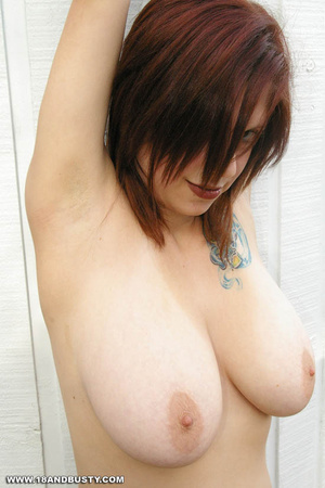 Young sensual Maggy showing off her heav - XXX Dessert - Picture 4