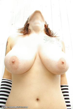Young sensual Maggy showing off her heav - XXX Dessert - Picture 9
