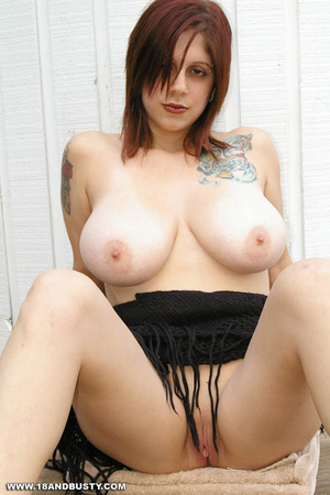 Young sensual Maggy showing off her heav - XXX Dessert - Picture 13