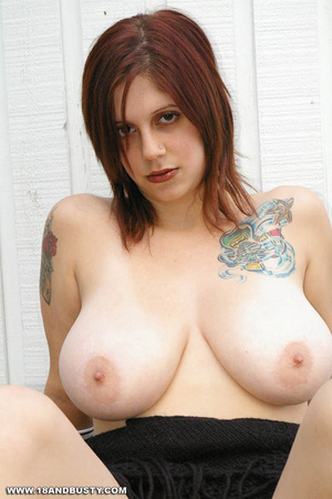 Young sensual Maggy showing off her heav - XXX Dessert - Picture 14