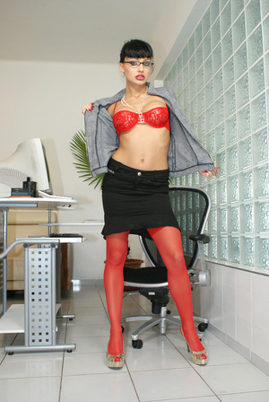 Hot office babe Aletta Ocean in red stoc - XXX Dessert - Picture 6
