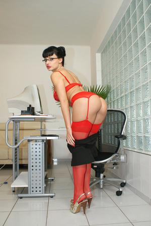 Hot office babe Aletta Ocean in red stoc - XXX Dessert - Picture 7