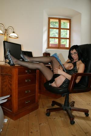 Secretary Renata Black gets freaky with  - XXX Dessert - Picture 11