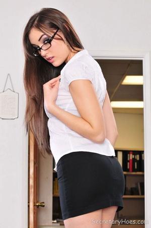 Brunette pornstar Sasha Grey in hot offi - XXX Dessert - Picture 3