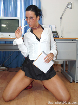 Secretary Simone strips in the office in - XXX Dessert - Picture 4