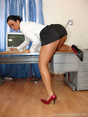 Secretary Simone strips in the office in - XXX Dessert - Picture 6