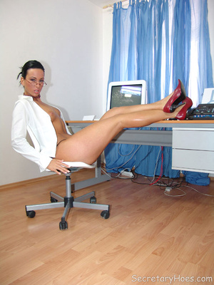Secretary Simone strips in the office in - XXX Dessert - Picture 8