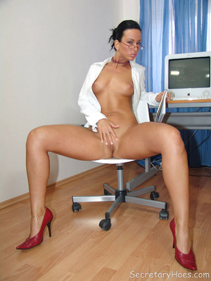 Secretary Simone strips in the office in - XXX Dessert - Picture 13