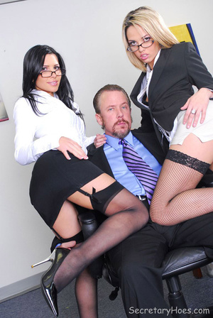 Pornstar office secretary sluts Rebecca  - XXX Dessert - Picture 3