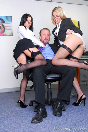 Pornstar office secretary sluts Rebecca  - XXX Dessert - Picture 4