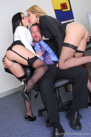Two hot office sluts Rebecca Linares and - XXX Dessert - Picture 4