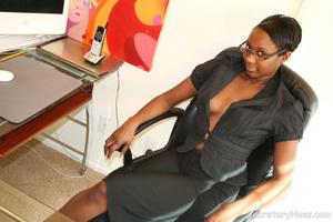 Naughty black girl amateur secretary - XXX Dessert - Picture 2