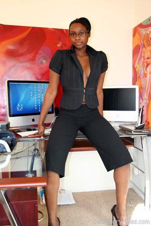 Naughty black girl amateur secretary - XXX Dessert - Picture 6