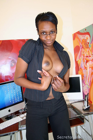 Naughty black girl amateur secretary - XXX Dessert - Picture 9