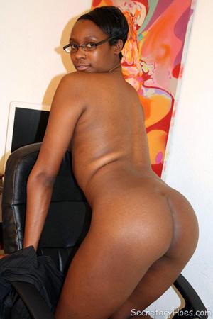Naughty black girl amateur secretary - XXX Dessert - Picture 14