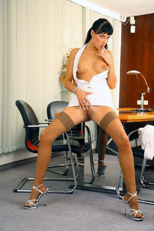 Leggy secretary Jessica Dame in light ta - XXX Dessert - Picture 11
