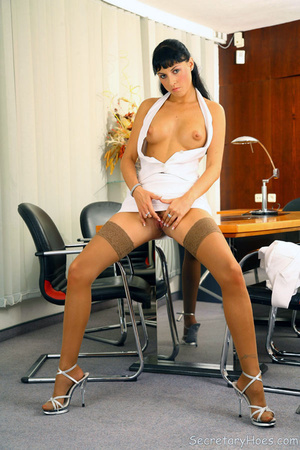 Leggy secretary Jessica Dame in light ta - XXX Dessert - Picture 12