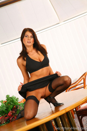 Brunette office secretary Kate Jones suc - XXX Dessert - Picture 3
