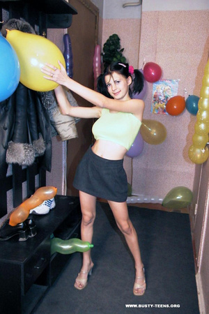 Crazy small teen makes fun poses and sho - XXX Dessert - Picture 2