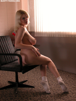 Soft gentle young blondie showing off he - XXX Dessert - Picture 15